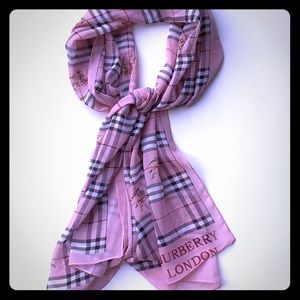 2x$20- Pink plad scarf